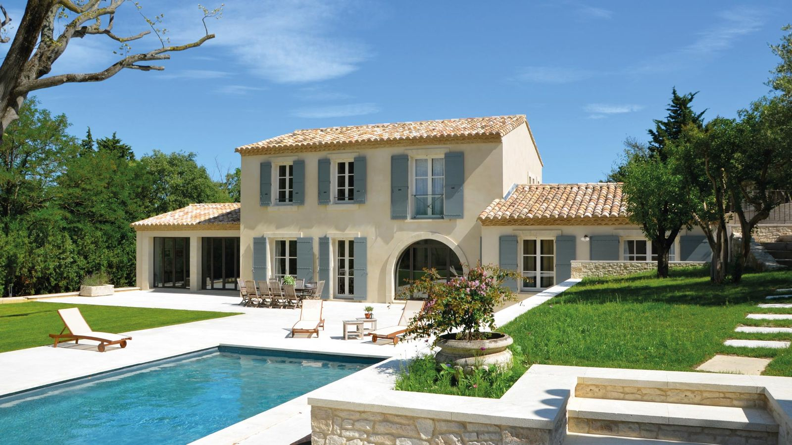Location villa contemporaine face aux alpilles - Location en provence avec piscine ...