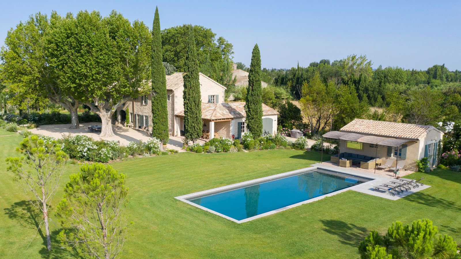 Location de luxueuses Villas à Saint-Rémy-de-Provence piscine privée