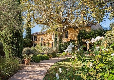 Location de Villas de luxe au cœur des Alpilles en France pour les vacances