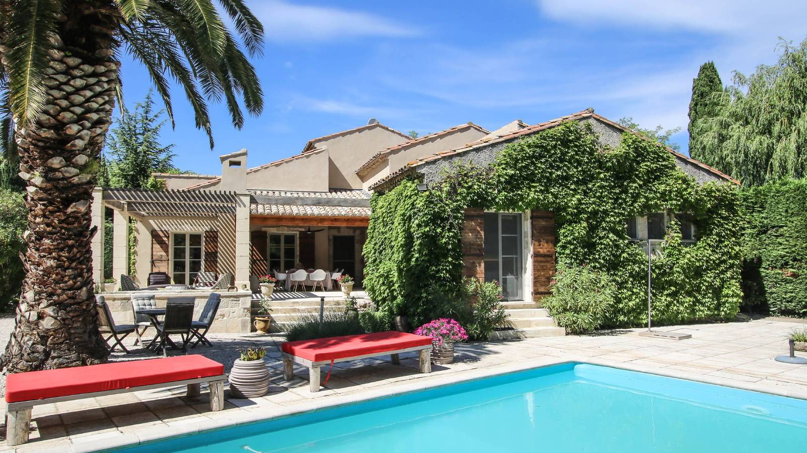 Luxury Vacation Rentals and Villas in South of France Paradou